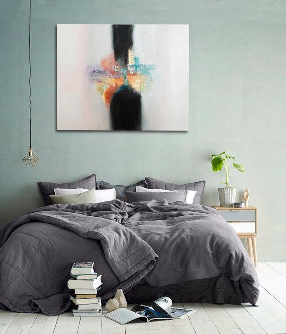 Nowoczesna sypialnia z obrazem