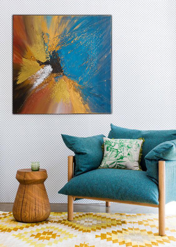 Malarstwo nowoczesne w pokoju dziennym