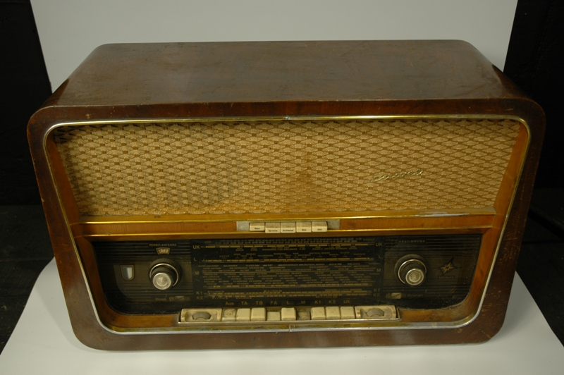 RADIO JUWEL2 – LATA 60-te